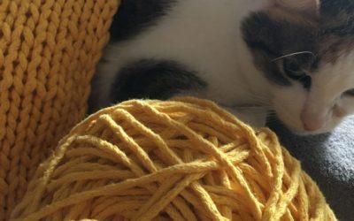 poduszka z grubego sznurka